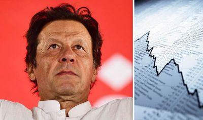 पाकिस्तान आर्थिक संकट : इमरान ने लगाई लग्जरी कार और स्मार्टफोन के आयात पर रोक