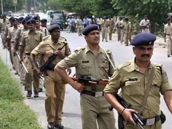 बिहार में पुलिस और डकैतों के बीच हुई मुठभेड़, 2 लोगों की मौत
