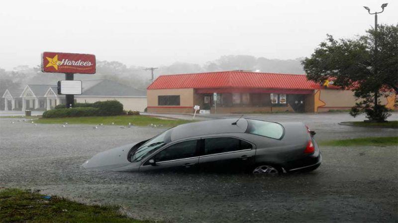 अमेरिका : फ्लोरेंस तूफ़ान के बाद अब बाढ़ का कहर, अब तक 17 की मौत