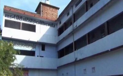 15-year-old girl thrown off  from school building in UP