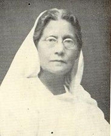कामिनी रॉय की लेखिनी थी पूरे बंगाल में मशहूर