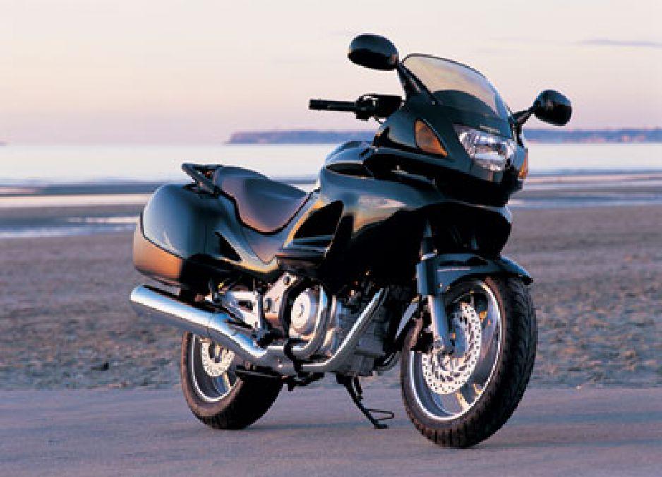 Honda अपनी 1000 cc वाली इस मोटरसाइकिल को फिर से बाजार में कर सकती है प्रदर्शित