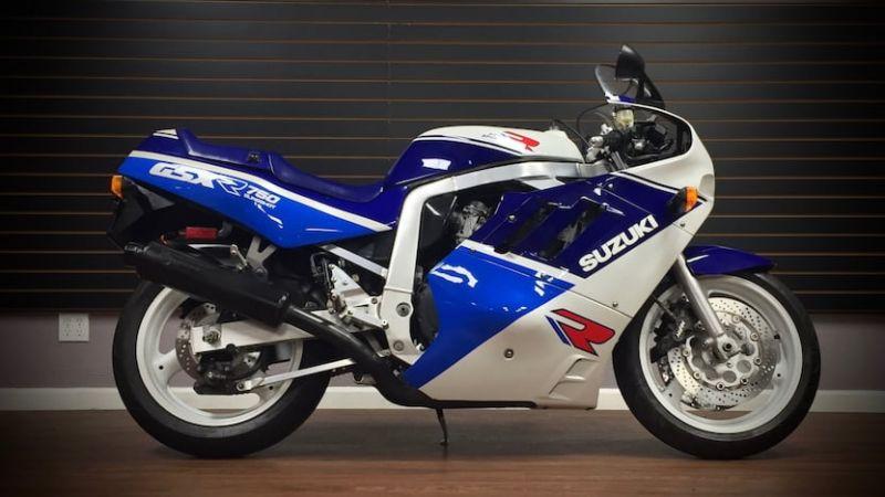 Suzuki Gixxer SF 250 से Honda CBR 250R कितनी है अलग, जानिए स्पेसिफिकेशन