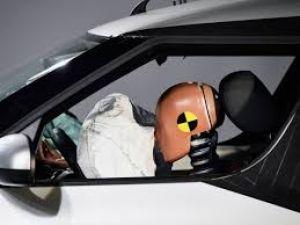 क्यों होता है कार में एयरबैग, कैसे बचाता है जान