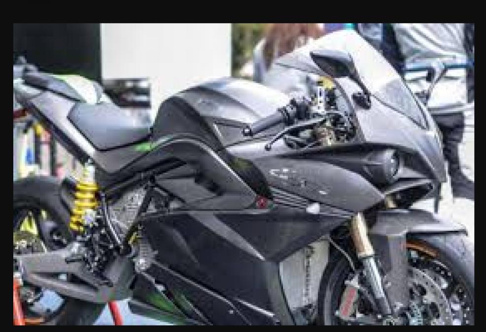 ये बाइक खरीदना है फायदे का सौदा, कंपनी दे रही ढेरो ऑफर्स