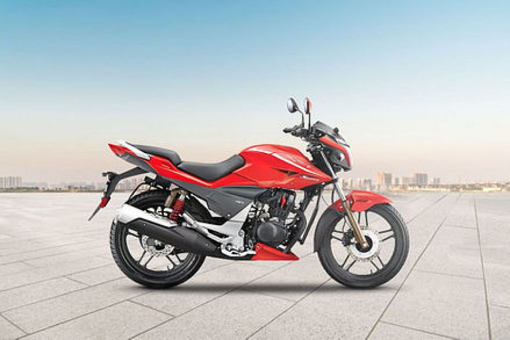 How Bajaj Pulsar 150 is different from Hero Xtreme Sports
