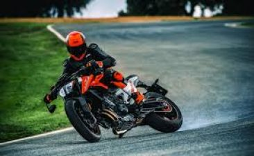KTM 790 Duke bike is like a transformer, know other features