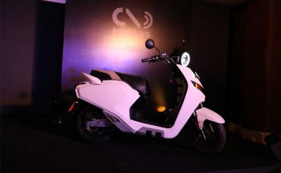 Indian start-up launches an electric scooter with reverse gear in Auto Expo