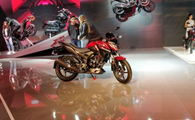 Honda offers a Showcase bike X-Blade in Auto Expo 2018, Have a look…