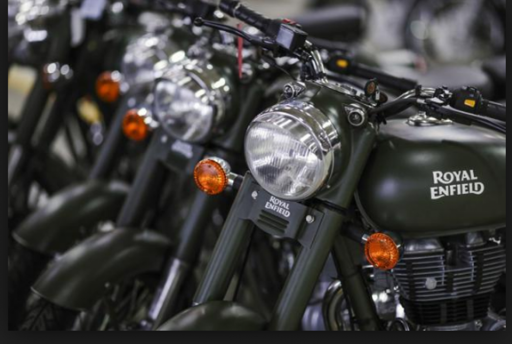 Royal Enfield seems to ready to launch a new version of Popular Model Classic and Thunderbird