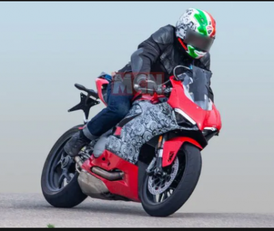 New Ducati 959 Panigale spotted testing and expected to launch in this month`