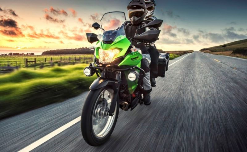 Kawasaki launches new stylish bike version in India- X300, Rs. 4.60 Exxorum price