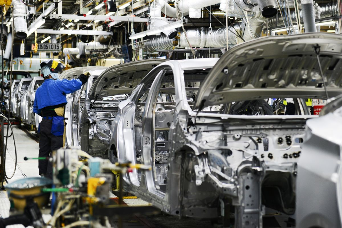 Auto companies becoming victims of the recession, expecting from the government to cut this tax
