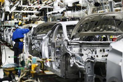 ऑटो कंपनियों बनती जा रही मंदी की शिकार, सरकार से इस टैक्स में कटौती की उम्मीद
