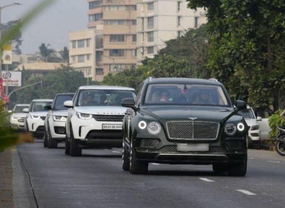 This luxurious car run in the security of Mukesh Ambani