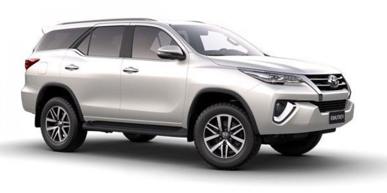 Get a bumper discount of up to Rs 1 lakh on these Toyota cars