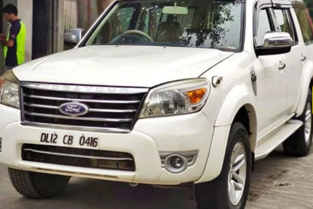 Chance to buy Ford Endeavor at an affordable price, price less than Maruti Swift