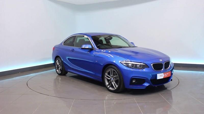 भारत में लॉन्च हुई BMW 220i M Sport, जानिए क्या है कीमत
