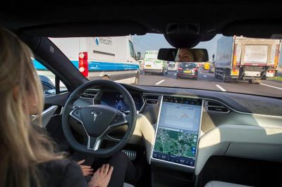 Tesla's adds these two safety features which will help drivers to be in their lane
