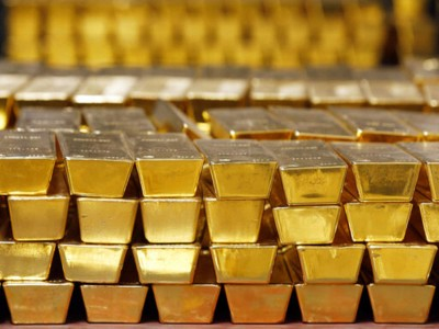 Silver, gold rises in futures market