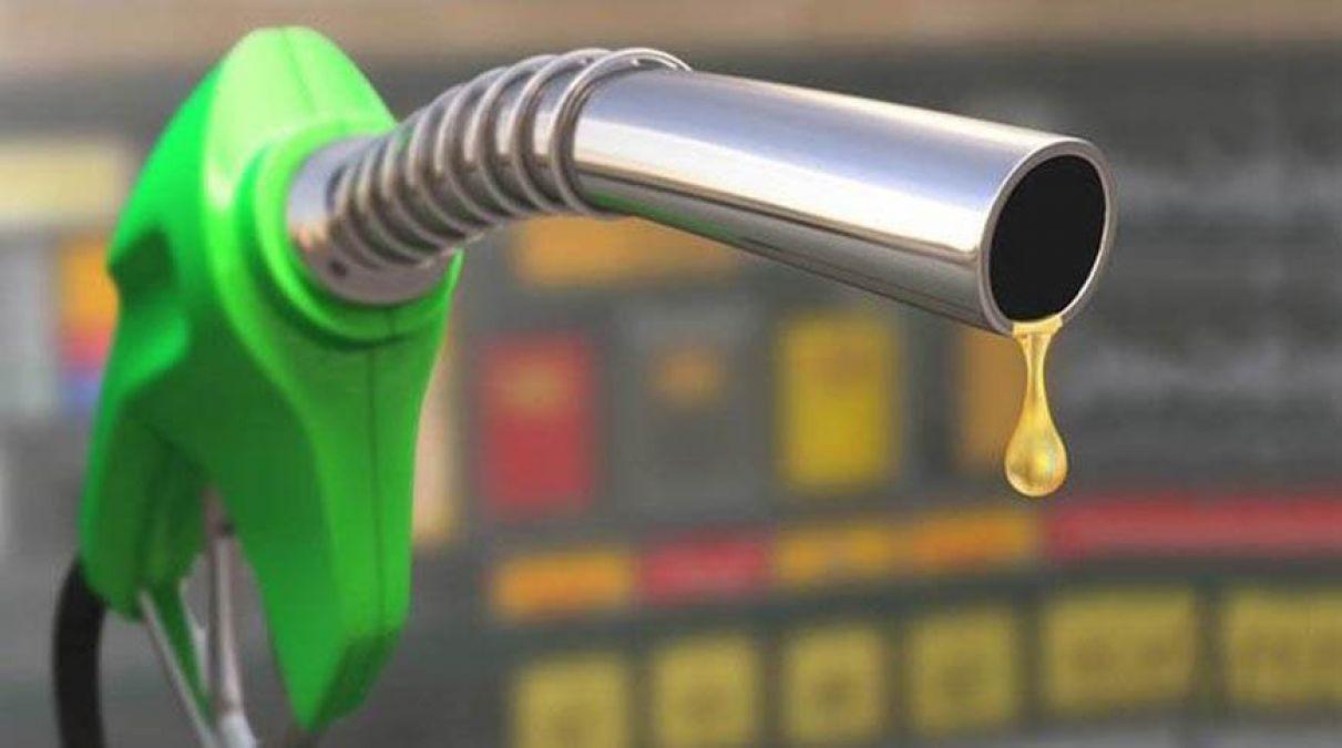 पेट्रोल के दामों में नजर आयी मामूली बढ़त, डीजल स्थिर