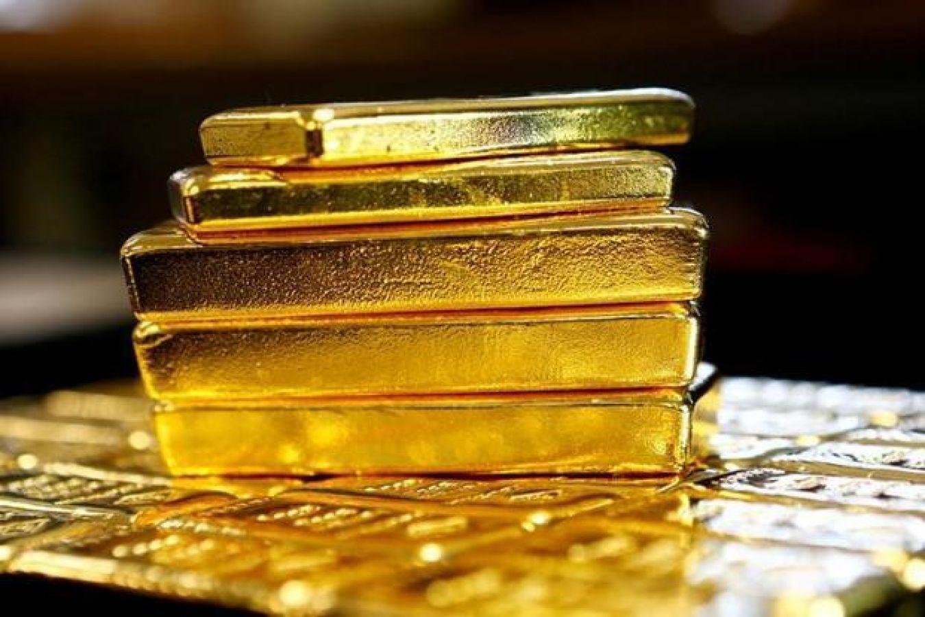 सोने-चांदी की कीमतों में लगातार नजर आ रही है गिरावट
