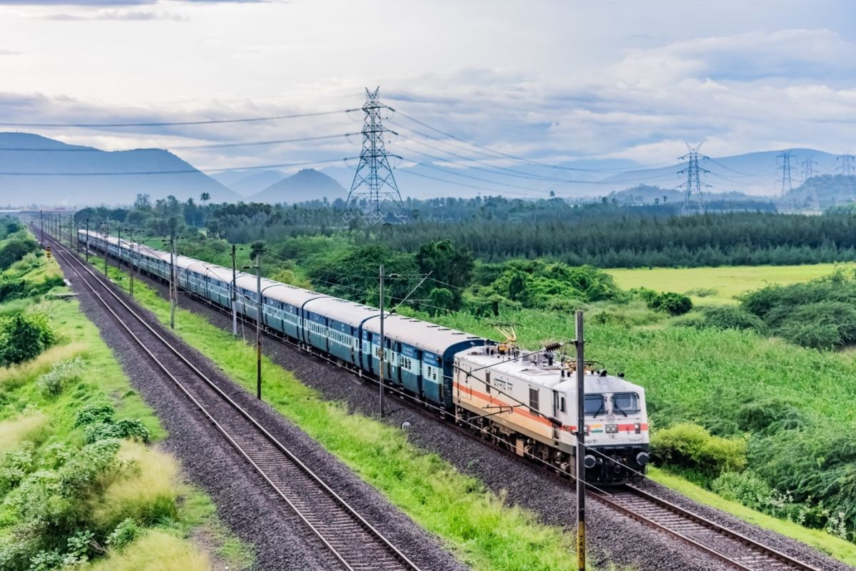 Big gift of Indian Railways, now passengers will get confirm seat in general coach