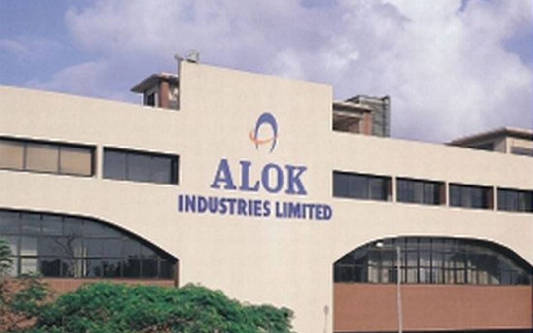 RIL may take loan of Rs 5000 crore for Alok