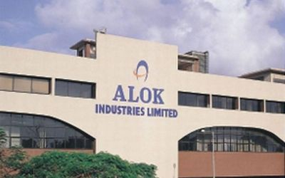 RIL may take loan of Rs 5000 crore for Alok Industries