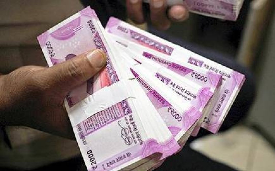 Rupee strengthens 6 paise against the dollar