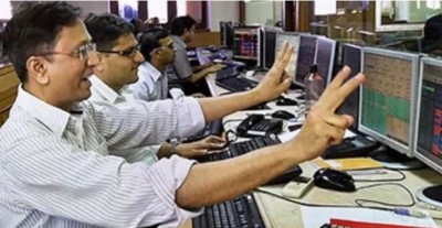 Stock market sprung due to strong global cues, Sensex rises strongly
