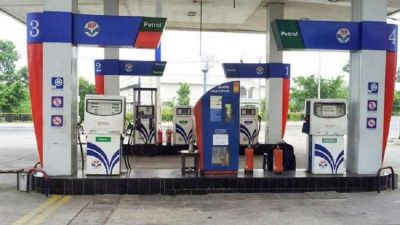 अब पेट्रोल भरवाने के लिए नहीं करना होगा इंतज़ार, तेल कम्पनियाँ खोलेगी 65000 पेट्रोल पंप