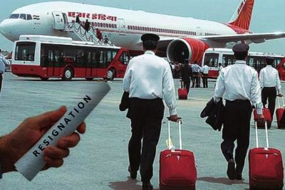 Air India gets a big shock, 120 pilots resigned