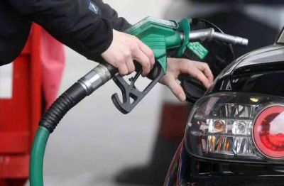 Diesel prices fall, petrol retains its old price