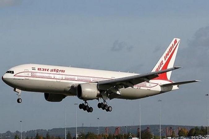 अब हांगकांग ने एयर इंडिया की फ्लाइट पर लगाया बैन, पहले दुबई ने किया था प्रतिबंधित