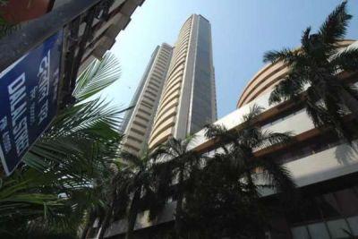 सात शीर्ष कंपनियों का बाजार पूंजीकरण बढ़ा
