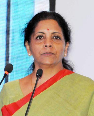 मध्यम वर्ग के लिए वित्त मंत्री ने किया बड़ा ऐलान