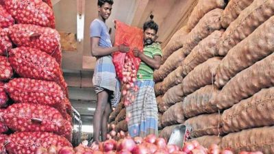 Government' efforts failed, onion prices reach 165 in Goa