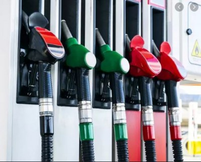 Petrol-Diesel price falls by Rs 4 in a month, Know reason for decline