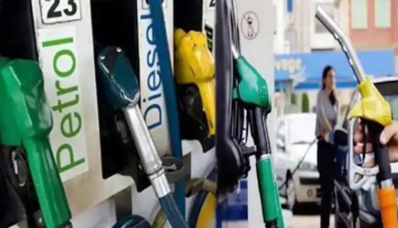 पेट्रोल-डीजल की कीमतों में आज फिर लगी आग, जानिए कितने बढ़ गए दाम