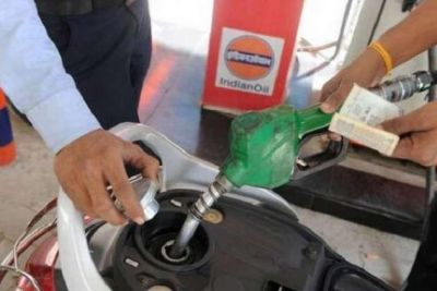 Fuel prices rise once again today, diesel prices stable
