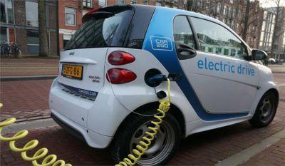 जीएसटी कौंसिल ने इलैक्ट्रिक वाहनों के मामले में लिया निर्णय, कर में हुई इतनी कटौती
