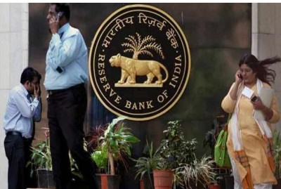 There will be no threat to customers' deposits in any bank: RBI