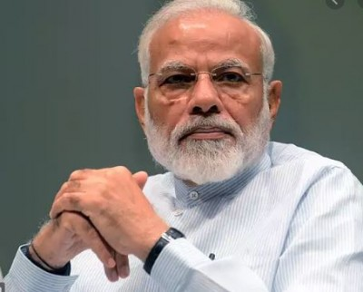 Corona virus: Is PM Modi putting money in account of poor?