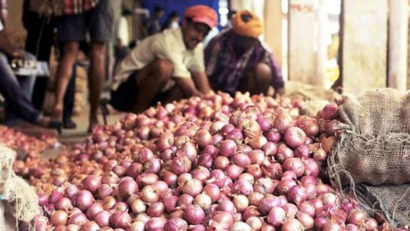 कोरोना: प्याज़ मंडी में मजदूरों की किल्लत, दाम में हो सकता है इजाफा
