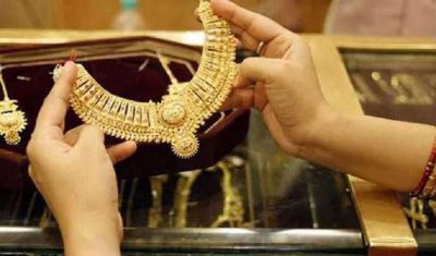 Gold shines in the Indian market, Silver price decreases