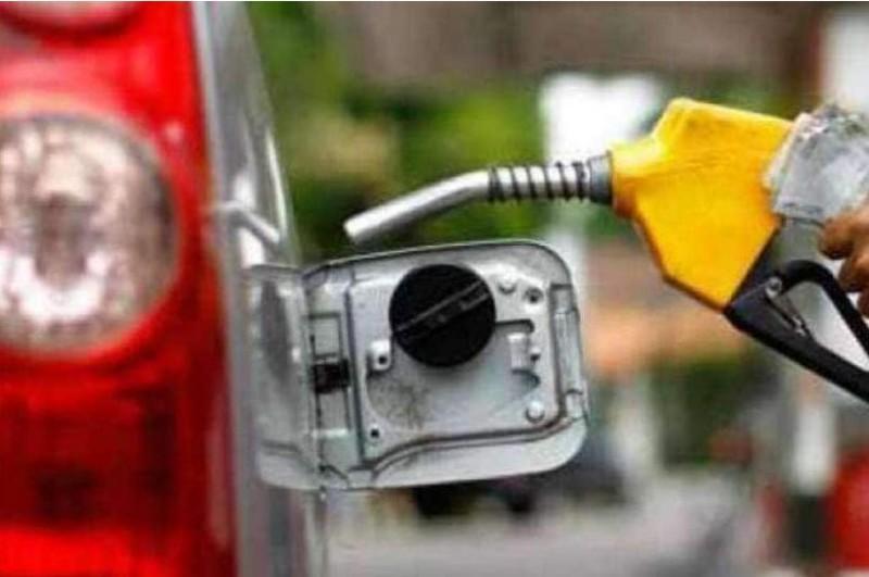 पेट्रोल-डीजल की कीमतों में फिर लगी आग, यहाँ जानें क्या भाव हैं आज