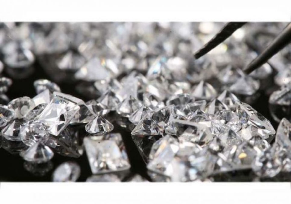 Surat's diamond business is getting affected due to rising insurgency in Hong Kong