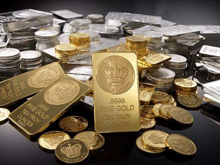 Gold becomes cheaper in the festive season, silver price declined