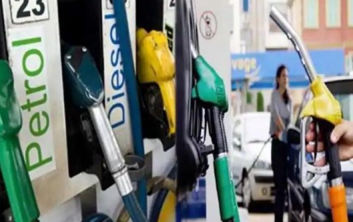 आज भी नहीं बदले पेट्रोल-डीजल के भाव, जानिए क्या हैं एक लीटर के दाम
